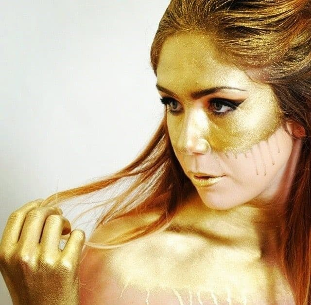 What to Look for in a World Class Makeup Artist School