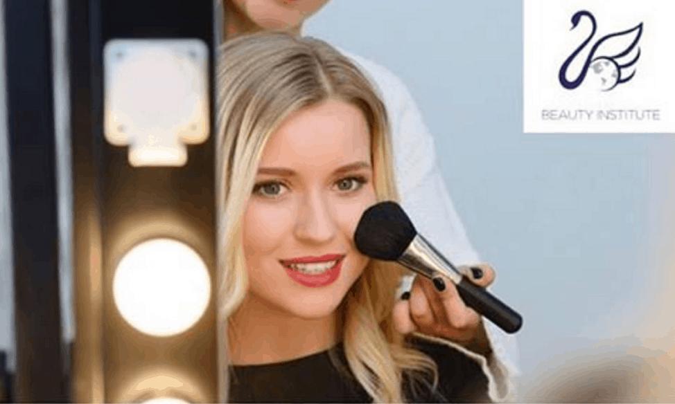 #PowerofMakeup: How Makeup Artist Training Can Help You Empower Women