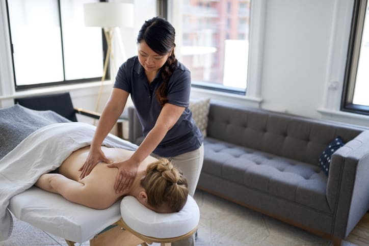 How a Spa Therapist Can Help You Recharge After Their Spa Therapist Training
