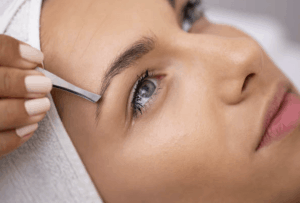 Tweezing and waxing your way to becoming a beauty expert with the brow shaping course!
